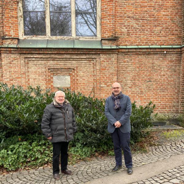 Anselm Bilgri Übertritt zur alt-kathloische Kirche hier mit Pfarrer Siegfried J. Thuringer aus München